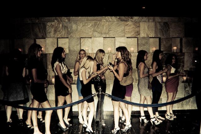 nightclub-line